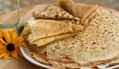 Ръжени палачинки - Рецепта. Как да приготвим Ръжени палачинки. Разбийте яйцата с прясното мляко, щ...