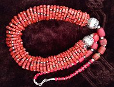 Old Berber Coral Beads with Enamel Eggbeads di TuaregJewelry