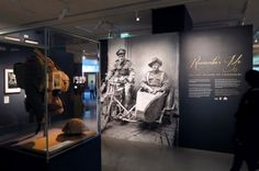 A photographic exhibition of the Thuillier Collection, displaying portraits of mostly unknown Australian soldiers. The identity and design reflects the typography from the period. A major part of the exhibition also included an interactive touch screen. Museum Exhibition Design, Exhibition Display, Exhibition Space, Design Museum, Display Design, Design Art, Display Ideas, Graphic Design, Museum Displays
