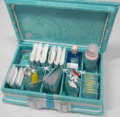 Divina Caixa: Caixa de madeira forrada em tecido azul tiffany pa...