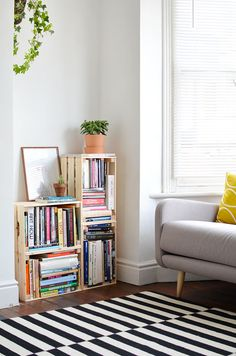 DIY | crate bookcase