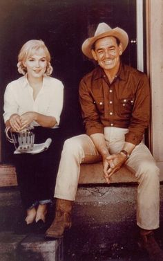 "Marilyn Monroe and Clark Gable on the set of ""The Misfits"", 1960."