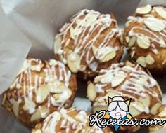 Muffins de chocolate blanco Chocolate Blanco, Doughnut, Cereal, Cupcakes, Breakfast, Desserts, Food, Almonds, Cooking Recipes