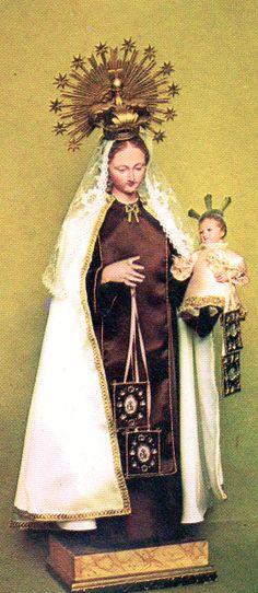 VIRGEN DEL CARMEN,  Monasterio de MM. Carmelitas Descalzas de Azul, imagen de candelero (de vestir) española, s. XIX.