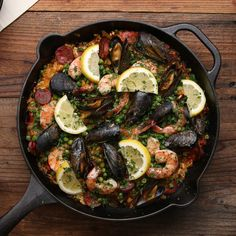 Cast Iron Paella Recipe by Tasty - looks not too difficult and I have most ingredients Iron Skillet Recipes, Cast Iron Recipes, Skillet Meals, Seafood Dishes, Seafood Recipes, Cooking Recipes, Healthy Recipes, Cooking Gadgets, Cooking Tools