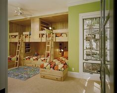 Three Twin Beds Design Ideas, Pictures, Remodel and Decor Bunk Beds Small Room, Double Bunk Beds, Bunk Beds Built In, Bunk Beds With Storage, Bunk Beds With Stairs, Cool Bunk Beds, Bunk Rooms, Kids Bunk Beds, Small Rooms