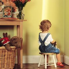 What's the best way to handle a naughty toddler? These two discipline techniques can help you deal with most of your toddler's misbehavior