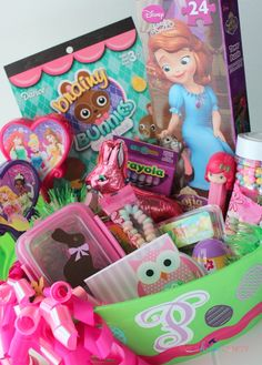 How to Make an Awesome and Cheap Easter Basket - Shes {kinda} Crafty