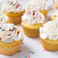 Everything you ever wanted to know about BUTTERCREAM! American Buttercream, Basic Buttercream, How to Make Buttercream, Vanilla Buttercream, Easy Buttercream Everything you ever wanted to know about BUTTERCREAM! Best Buttercream Frosting, Vanilla Buttercream, Crusting Buttercream, Frosting Types, Fluffy Frosting, Buttercream Flowers, Cake Icing, Just Desserts, Dessert Recipes