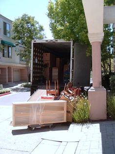 How to Tell Your Overprotective Parents You're Moving Out Moving Day, Moving Tips, Moving House, Moving Labor, Moving Hacks, Unpacking After Moving, Moving Across Country, House Movers, Move On Up