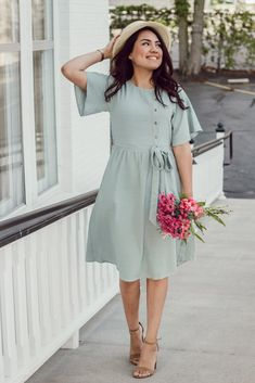52 Midi Dresses For Teens - Global Outfit Experts Lehenga Designs, Muslim Fashion, Modest Fashion, Mode Outfits, Fashion Outfits, Fashion 2018, Asos Fashion, Fashion Edgy, Fashion Trends