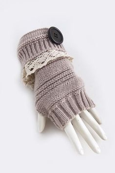 LOVE OF LACE & BUTTONS GLOVES