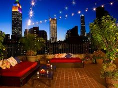light pulbs  Top 10 Unpretentious Rooftop Bars in Manhattan