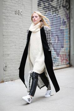 dress-over-pants-street-style-4.jpg (736×1104)