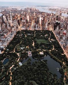 Style beaches Central Park from above - New York City photo by Trent Szmolnik ( on. Central Park from above - New York City photo by Trent Szmolnik ( on Unsplash Photo New York, New York City Photos, New York Pictures, Usa Pictures, Park Pictures, New York Trip, New York Life, New York City Travel, London Travel
