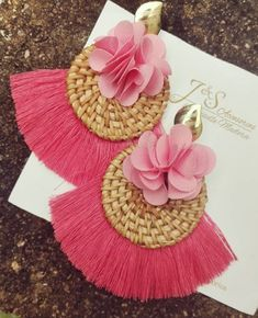 Trendy and Stylish Home-Made Designs of Earrings for All Beautiful to-Be-Brides Tassel Earing, Tassel Jewelry, Soutache Jewelry, Ear Jewelry, Fabric Jewelry, Beaded Jewelry, Fabric Earrings, Diy Earrings, Handmade Rakhi
