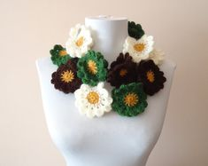 Hand crochet neckwarmer, hand crochet neckwarmer, floral woolneckwarmer, wool neckwarmer, flowered neckwarmer, colorful wool scarf