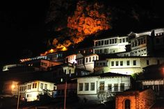 Berat, a cidade das mil janelas