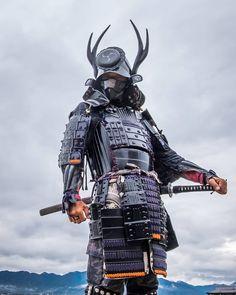 Samurai 🇯🇵 – – – ____________________________🏯 for more… – conquering-meridian Samurai Concept, Armor Concept, Ronin Samurai, Samurai Warrior, Character Inspiration, Character Art, Character Design, Japanese Culture, Japanese Art