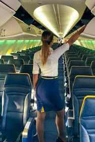 Tight Skirts Page: Uniform Tight Skirts 11 Tight Pencil Skirt, Tight Skirts, Flight Attendant Hot, Airline Uniforms, Female Pilot, Cabin Crew, Madame, Sexy Legs, Beauty Women