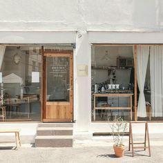 New design restaurant japan store fronts ideas Cafe Shop Design, Cafe Interior Design, Store Design, Interior Architecture, Small Cafe Design, Minimalist Architecture, Café Restaurant, Restaurant Design, Design Café