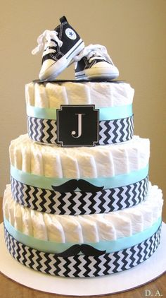 baby shower party diaper cake for boys - Babyshower Party - Bebe Cadeau Baby Shower, Idee Baby Shower, Bebe Shower, Fiesta Baby Shower, Baby Boy Shower, Baby Shower Gifts, Baby Gifts, Baby Shower Mustache, Baby Shower Deco
