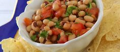 Black-eyed peas on New Year's Day. Serve this easy, healthy recipe for an appetizer, side dish with fish, chicken or pork or on top of a bed of arugula. Side Dishes For Fish, Low Carb Recipes, Vegan Recipes, Recipe Community, Food Photo, Dips, Food And Drink, Appetizers, Healthy Eating