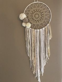 Dreamcatcher Dreamcatcher Boho Chic Tassels by Appartdesfilles - Home Decor Ideas! Los Dreamcatchers, Doily Dream Catchers, Diy And Crafts, Arts And Crafts, Creation Deco, Boho Chic, Boho Decor, Weaving, Diy Projects