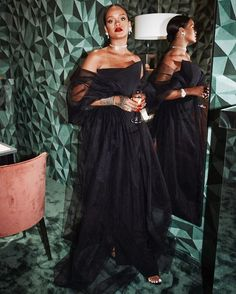 Yes Rihanna❤️Chopard tonight custom custom everything everything photo 💋 Rihanna And Drake, Rihanna Outfits, Rihanna Riri, Rihanna Style, Rihanna Looks, Queen Pictures, Bad Gal, Love Her Style, Songs
