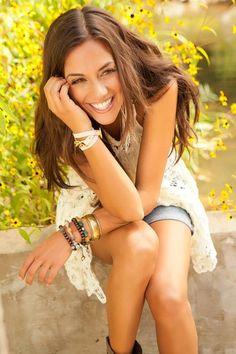 Jana Kramer is so pretty it's not fair