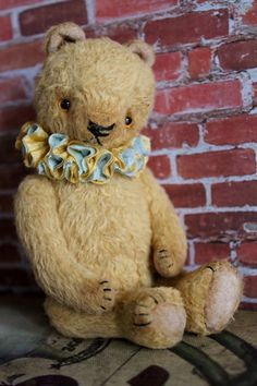 Mister Mango a 6 inch viscose teddy bear by bearsbywillowdesigns, $84.00
