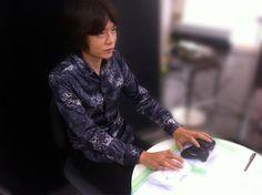 Masahiro Sakurai (Kirby and Smash Bros creator, Kid Icarus Uprising game deisgner) plays two players on his own for testing purpose in Smash Bros Wii U