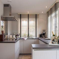 #Küche In Weiß #Küchenzeile Www.dyk360 Kuechen.de | кухня | Pinterest |  Küchenzeilen, Nobilia Und Weiße Küchen