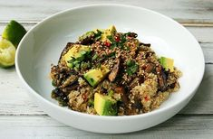 Quinoa with Mushrooms and Avocado Whole Food Recipes, Vegan Recipes, Delicious Recipes, My Favorite Food, Favorite Recipes, Mushroom Quinoa, Salad Ideas, Batch Cooking