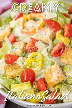 Creamy Italiano Salad - Romaine, tomatoes, thinly sliced seedless cucumbers, sliced banana peppers, croutons and homemade Creamy Italiano dressing. Healthy Salads, Healthy Recipes, Good Food, Yummy Food, Stuffed Banana Peppers, Italian Salad, Soup And Salad, Italian Recipes, Salads