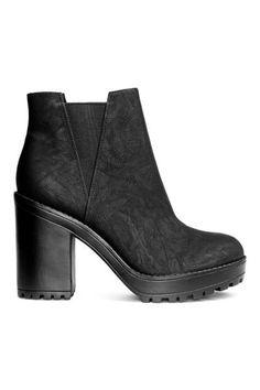 de444c91af8a Stivaletti H M Black Platform Boots