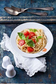 Pasta with tomato and basil by Natalia Lisovskaya, via 500px