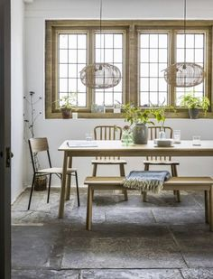 How to achieve country cottage style in your own home