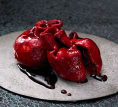 Human heart cake !! I want this cake for my birthday !!