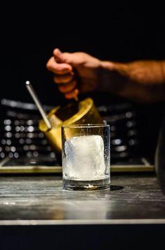 Rock your Ice Cocktails, Drinks, Glass Of Milk, Ice, Food, Craft Cocktails, Drinking, Beverages, Essen