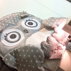 Cute owl pillowcase  and pillow.