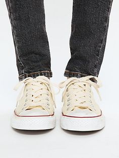 clasic.. converse and jeans