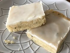 New & Improved Lemon Thyme Bars by Giada De Laurentiis Giada Recipes, Lemon Recipes, Bread Recipes, Just Desserts, Dessert Recipes, Show Bar, Giada De Laurentiis, Glass Baking Dish, Brownie Bar