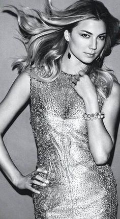 Emily VanCamp... I couldn't be more obsessed with Revenge!
