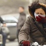 Foreigners in China are fed up with rising level of air pollution and wants to quite this country Environmental Pollution, Air Pollution, Safety Rules, Spiegel Online, World Health Organization, Breath Of Fresh Air, China, Beijing, Bike
