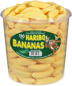 Haribo Bananas have a soft marshmallow center and a sweet candied banana flavored coating. A must for all lovers of the popular Haribo Primavera strawberries. 150 individual product pieces are included. Baby Food Recipes, Gourmet Recipes, Vegetarian Recipes, Healthy Recipes, Chocolate Pies, Easter Chocolate, Chocolates, Mini Pumpkins, Packaging
