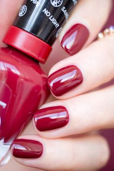 Baroque Nails with Sally Hansen Miracle Gel Dig Fig-Do you love dark red polishes? Well, check this one out! Sally Hansen Miracle Gel Dig Fig is the perfect dark red shade with warm undertones that will look flattering on anyone. Just add a high gloss top Sally Hansen Miracle Gel, Sally Hansen Nails, Dark Nails, Red Nails, Hair And Nails, Nail Polish Colors, Gel Nail Polish, Red Polish, November Nails