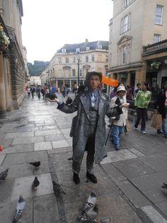 Street Entertainer in Bath.  https://analogueboyinadigitalworld.wordpress.com/2014/08/29/cardiffbristolbath/