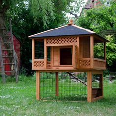 Rabbit Hutch Patio Pagoda Spacious Pet Garden Home Wooden Cage Outdoor Coop NEW Would love to build one for PhilLeappe Rabbit Hutch For Sale, Rabbit Hutch Indoor, Rabbit Hutches, Guinea Pig Hutch, Bunny Hutch, Guinea Pigs, Bunny Cages, Rabbit Cages, Rabbit Enclosure