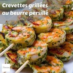 If you're bored of a healthy pesto recipe being mixed with pasta, consider these 11 recipes an easy way to shake things up in the kitchen. Pesto Grilled Shrimp, Pesto Chicken Salads, Pesto Salad, Grilled Shrimp Recipes, Healthy Pesto, Vegan Pesto, Healthy Food Swaps, Healthy Recipes, Spiralized Veggie Recipes